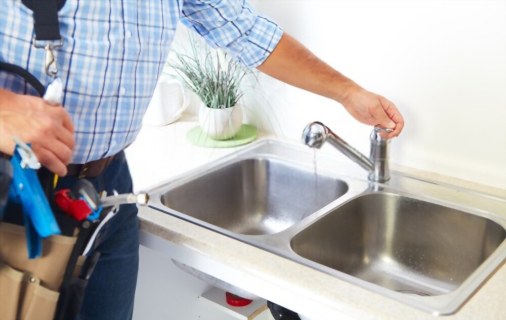Clogged Kitchen Sink   How to Unclog Your Kitchen Sink Drain