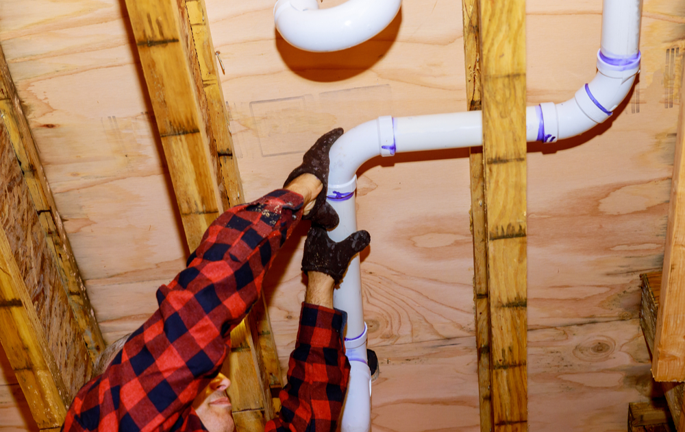 How to Repair PVC Pipe in Tight Spaces [7 Steps to Follow]